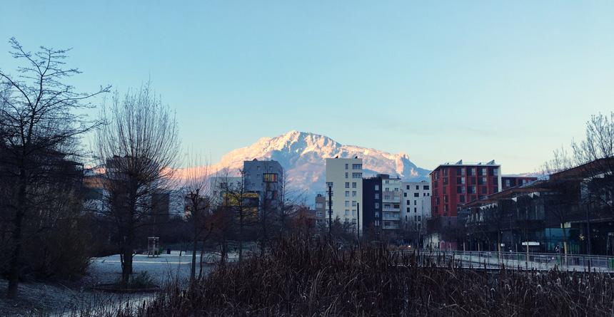 le vercors vu de la caserne de Bonne à Grenoble