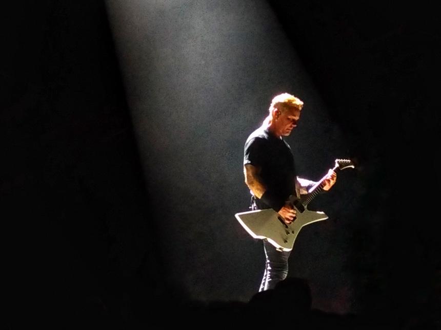 James Hetfield en concert à Lyon avec Metallica en 2017